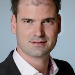 Dr Florian  Auras